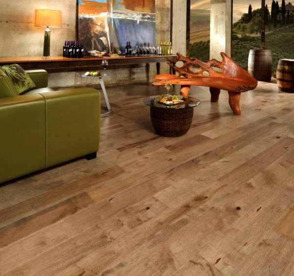 Beautiful floating laminate flooring