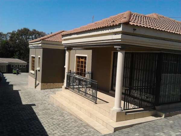 Pictures of Guest house in south africa(+27738796707) 3
