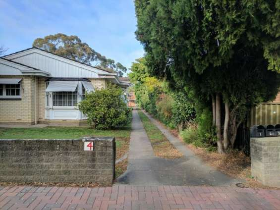 1 bedroom unit in toorak gardens