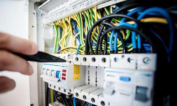 Electricians in halls head
