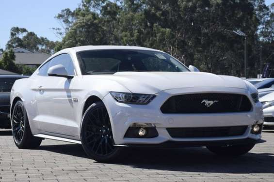 2017 ford mustang gt fastback selectshift fastback the ford mustang hits the road running with a sleek, agile body designed for performance. designers were challenged to improve mustang's aerodynamics, while giving it an aggressive, energetic stance. pain