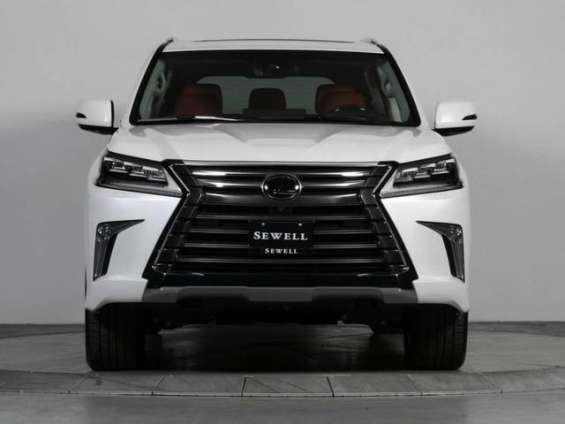 Urgent selling my used 2017 lexus lx570 gcc