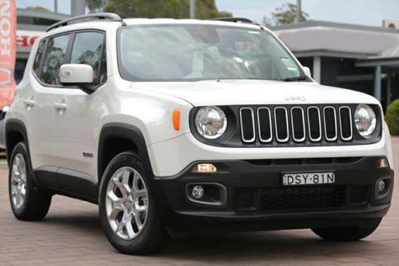2017 jeep renegade longitude ddct suv vehicle details vehicle	2017 jeep renegade bu my17 longitude ddct alpine white 6 speed sports automatic dual clutch suv body colour	alpine white trim colour	black cloth doors	5 seats	5 cylinders	4 fuel type	petrol - p